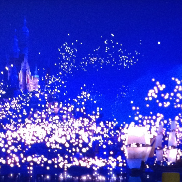 "Still of sky lantern scene from ""Tangled"""